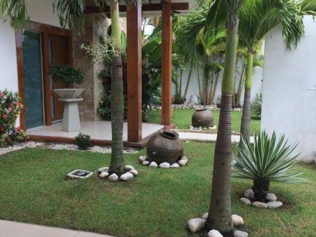 Hermosa Casa De Dos Plantas De 3 Dormitorios ( 1 En Suite)