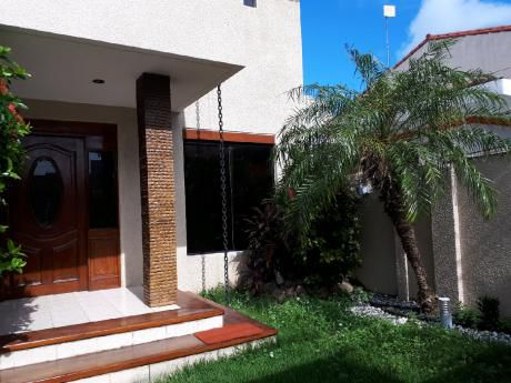 Alquilo Casa Ideal Para Vivienda U Oficina