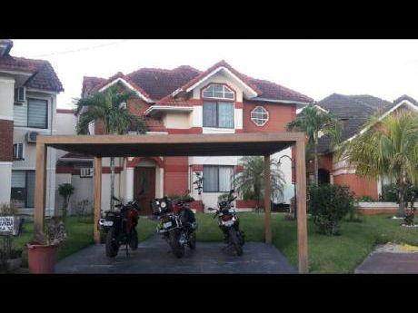 Vendo Hermosa Casa Zona Norte Dentro De Cond. O Permuto Por Dpto.