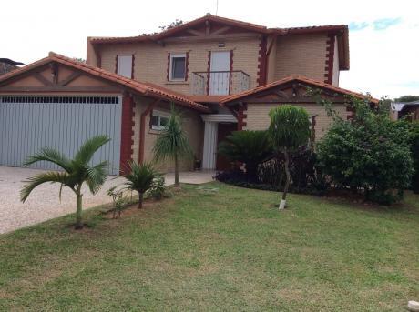Vendo O Alquilo Hermosa Casa En Barrio Cerrado Zona Yacht Y Golf Club