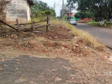Vendo Terreno En Esquina En Luque!! 360 M2 A Pasos Del Palacio