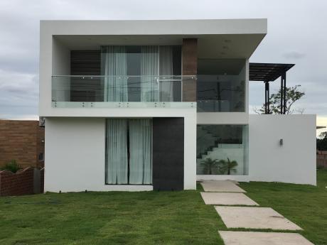 Regalo Casa En Urubo, Urb. Santa Cruz La Vieja