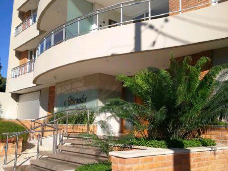 Departamento En Edificio Residencial, Con Privilegiada Ubicación!
