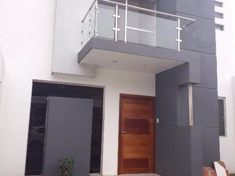 Alquilo Linda Casa Zona Beni