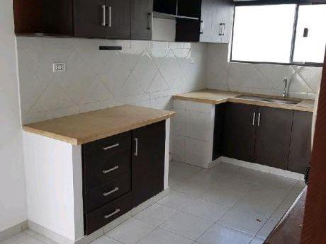 Business Broker Alquila Hermosa Casa Consta De 3 Dormitorios Tiene 1 Suite Con V