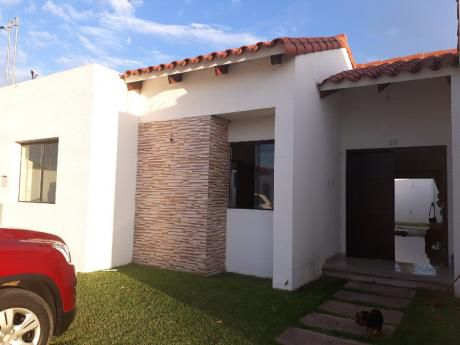 Alquilo Linda Casa En Cond.zona Carretera A Cotoca
