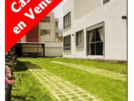 Achumani - Propietario Vende Casa Con Amplio Jardín