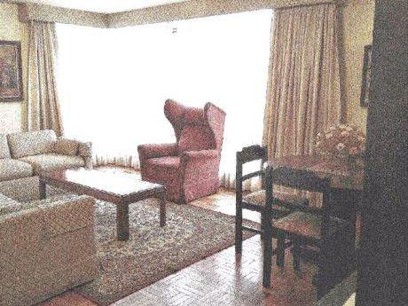 Av. Arce Departamento De 2 Dormitorios.