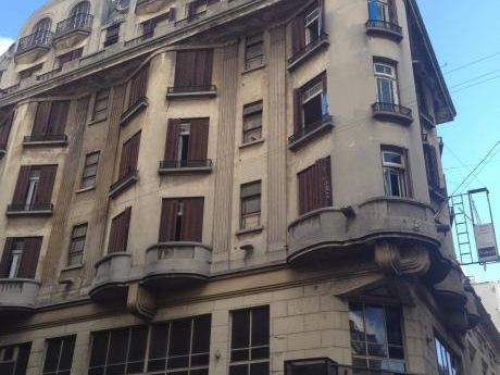Historical Art Deco Hotel By Plaza Independencia