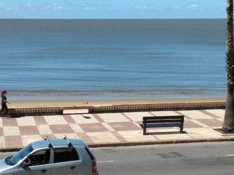 Frente Al Mar Con Vista Desde Todos Los Ambientes