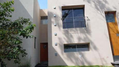 Alquiló Casa En Barrio Cerrado