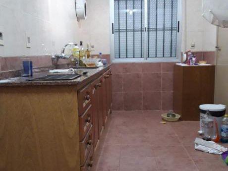 Casa Dos Dormitorios, Garage Y Parrillero