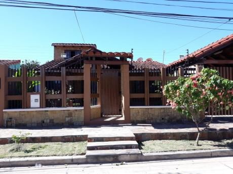 Propietario Vende Hermosa Casa  En Barrio Cañada Del Carmen.