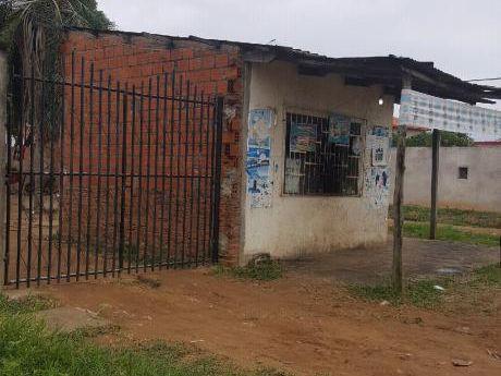 Casa Economica En Esquina