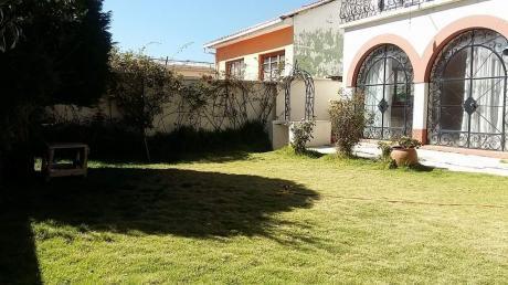 Hermosa Casa Con Jardin Por La Plaza España