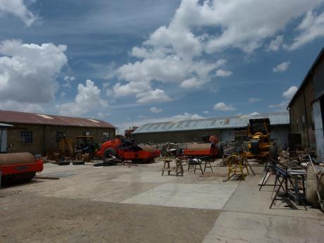 Terreno / Local Industrial / Galpón En Venta - El Alto