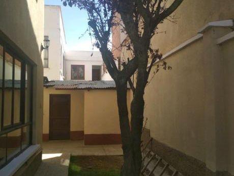 En Alquiler Achumani Calle 16