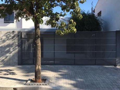Casa En Alquiler Barrio Petirossi