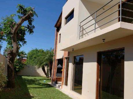 Alquilo Casa En Mburucuya