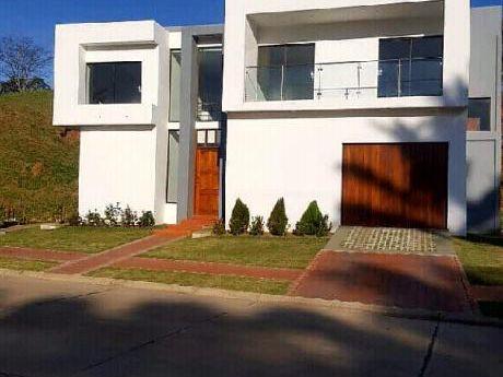 Casa Nueva Minimalista En Urubó