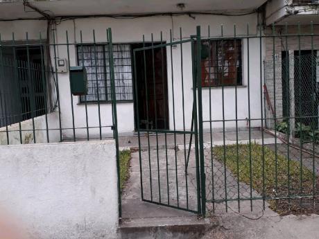 Oportunidad!!! Apartamento Tipo Casita Dos Dormitorios. Acepta Banco.