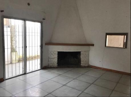 Casa Proxima A Shopping - 2 Dormitorios San Jose De Carrasco