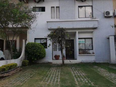 B.r. Alquila Casa De 3 H. En Condominio Z/este Carretera A Cotoca