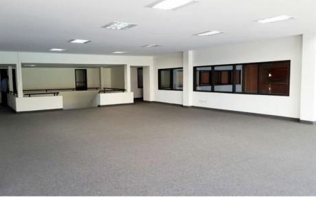 Alquiló Oficina Amplia Zona Artigas