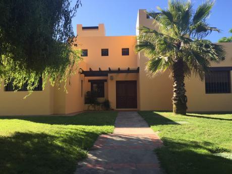 Casa En Parque De Miramar Con Fondo A Lago