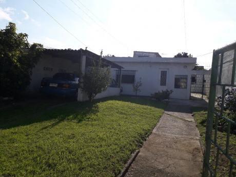 Casa De 2 Dormitorios En Cerrito