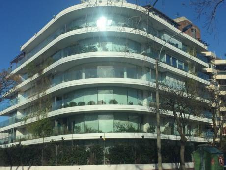 Apartamento De Lujo 3d, 2b, 1 En Suite, Gge, Piscina, Parrillero Y Mas!