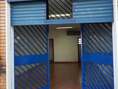 Alquilo Local Comercial Sobre Mcal. Lopez Zona Waldino R. Lovera