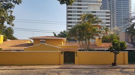 Residencia De Primer Nivel Zona Santan Teresa.
