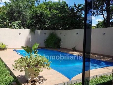 Alquilo Hermosa Casa Con Piscina, Completamente Amoblada En Mariano Roque Alonso