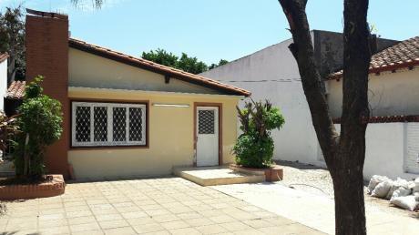 Alquilo Casa Excelente Ubicación Ideal Para Comercios U Oficinas