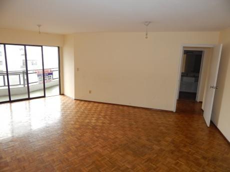 Apartamento Tres Dormitorios Parque Rodó