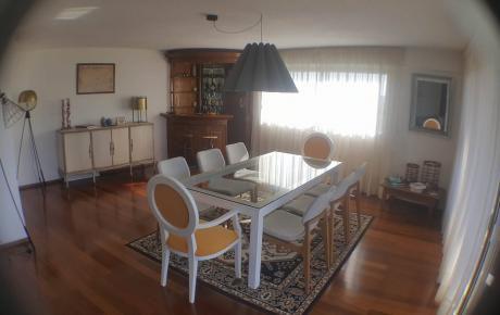 Impecable 3 Dormitorios Y Servicio Con Garaje.
