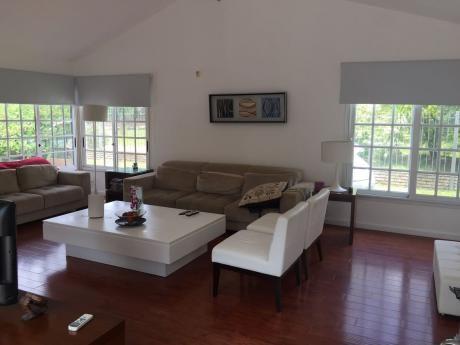 Hermosa!! . 4 Dormitorios Al Sur Atlantida