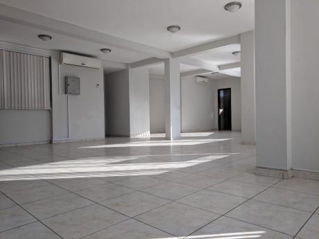 Piso En  Alquiler, Para  Oficina, Excelente Zona  Fn 11