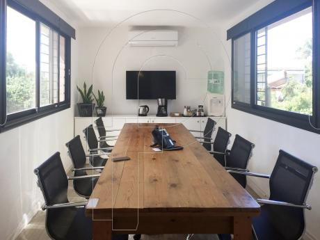 Excelente Oficina De 68m² Con Baño Y Cocina Privada