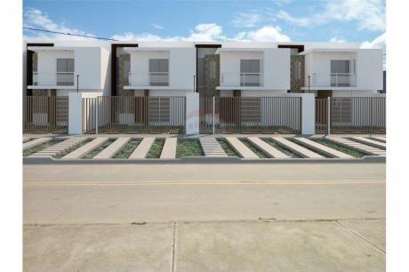 Casa A Estrenar Zona Santos Dumont 5to Anillo