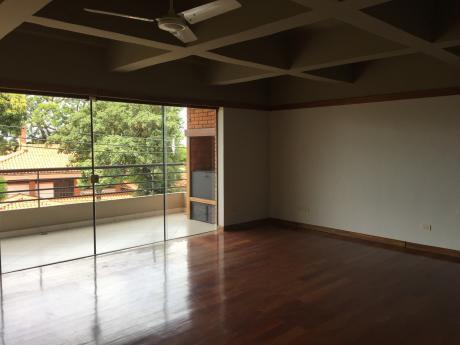 Alquilo Departamento Con Amplio Living  De Un (1) Dormitorio - Barrio Mburicao