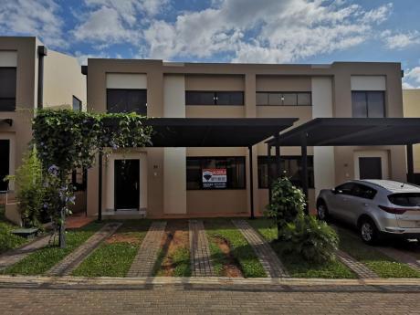 Alquilo Duplex Con Piscina En Boulevard Luque
