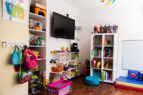 Casa En Malvin, 3 Dorm, Estar,parrillero, Estufa A LeÑa, Garage X 2