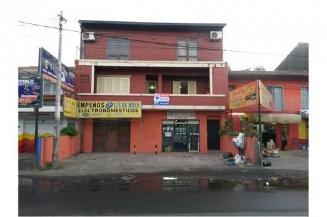 Edificio Tres Niveles Sobre Avda. Fdo. De La Mora