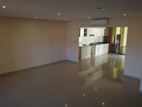 Hermoso Duplex  - Lambare - Zona Canal 13
