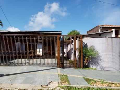 Hermosa Casa En Asunción En El Barrio Ita Enramada