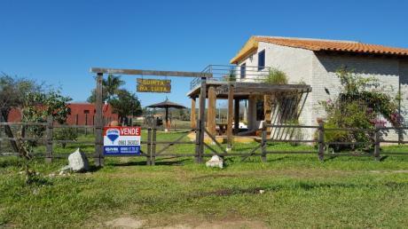 Hermosa Casa De Campo En Barrio Cerrado