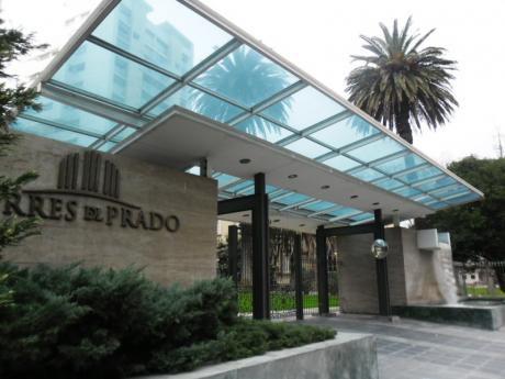 Apto 3 Dormitorios En Torres Del Prado.