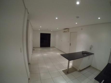 Departamento De 2 Dormitorios En Condominio Las Mercedes